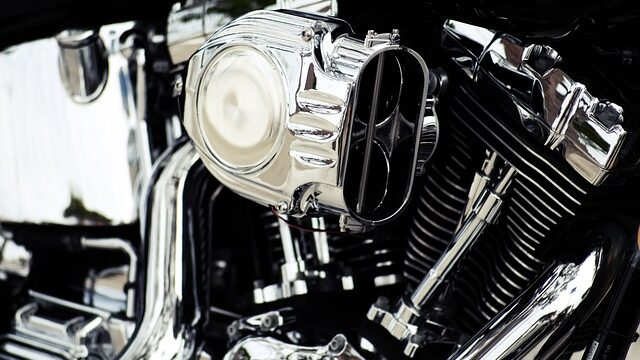 How a motorcycle engine works